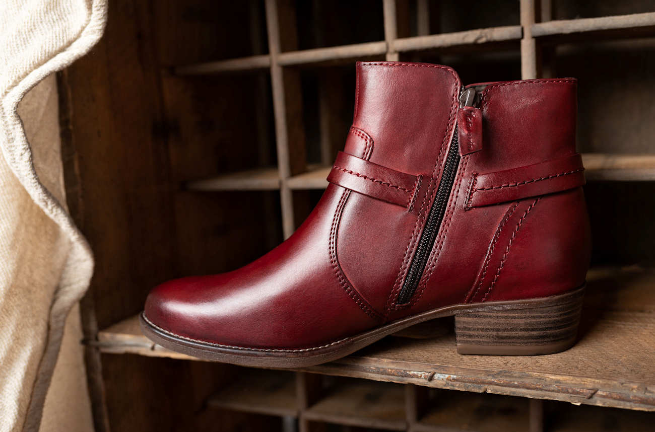 Womens Burgundy Size Zip Boots